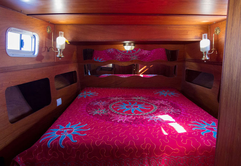 Pasha bed and boat | Yacht Club Marzamemi | Siracusa